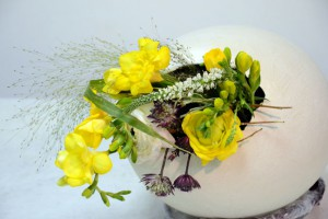 egg_with_flowers